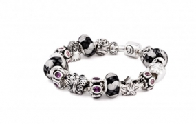 phoca_thumb_l_halia-bracelet_june_3